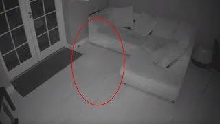 Cámaras de seguridad captan el momento en que un fantasma flota a través de una casa en Inglaterra