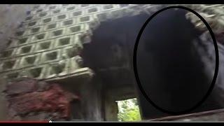 REAL GHOST CAUGHT BY SECURITY GUARD? MOST SCARY HAUNTING GHOST VIDEO Scary Videos