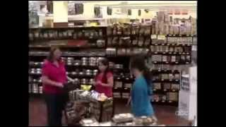 WWYD - Overweight Mothers With Their Daughters Are Fat Shamed in Public