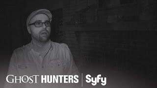 GHOST HUNTERS (Clips) | 'Good Eye' | Syfy