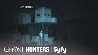 GHOST HUNTERS (Clips) | 'Attic' | Syfy