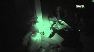 Vince Neil Goes Ghost Hunting With Ghost Adventures Crew