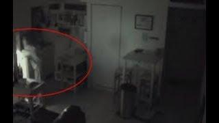 OMG ! Unknown Mysterious Shape Caught On Camera From Abandoned Villa !! Scary Videos