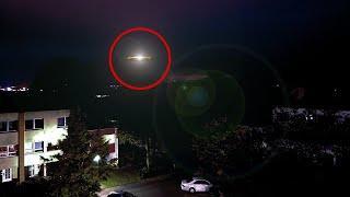 Unidentified Flying Object Like UFO Caught On Tape!! UFO Videos